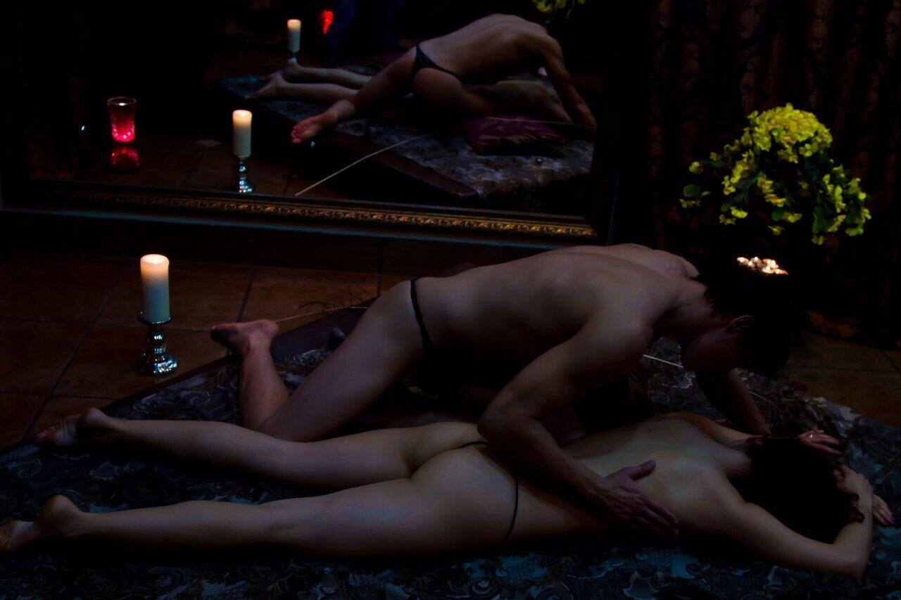 Эротический массаж семейной паре порно